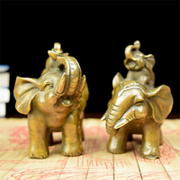 The copper like Brass Ingot like old antique brass elephant Zhaocai gold ornaments as the living room feng shui