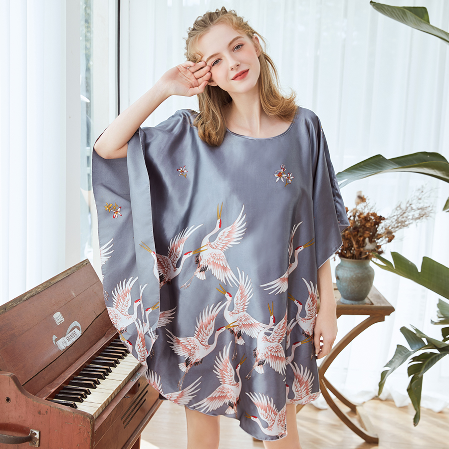Plus Size Women Robe Summer Nightgown Print Satin Bathrobe Gown Rayon Casual Sleepwear Mini Nightdress Bat Sleeve Home Dress