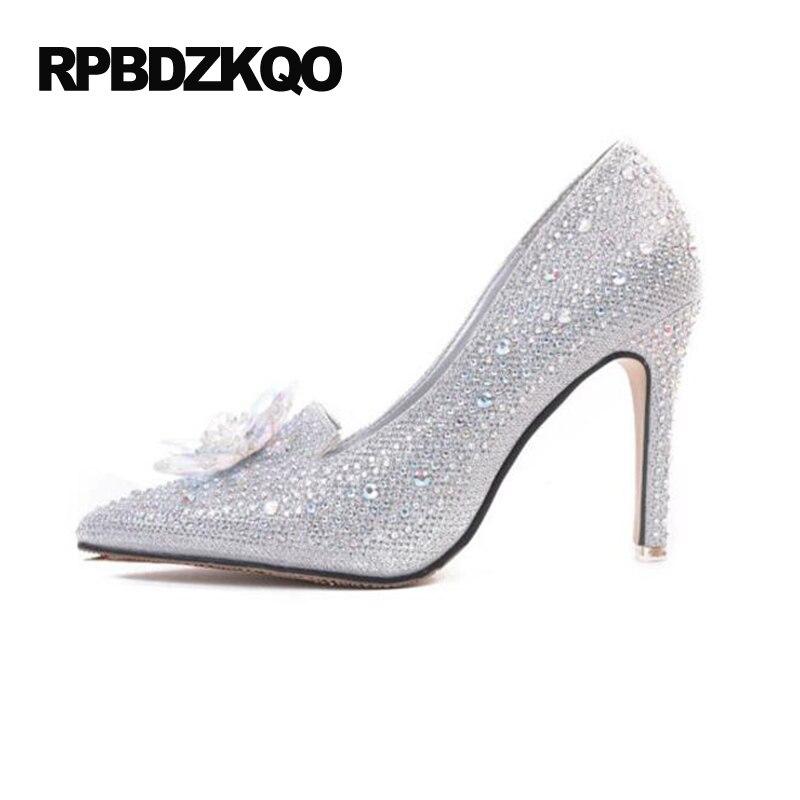 75127cdd73 Bombas de Prata Sapatos 2017 Dedo Apontado Feminino sapatos de Salto Alto  de Ultra Cristal Cinderela Vestido Mulheres Estilete 9 cm 4 de Polegada  Glitter ...