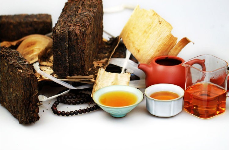 promotion ! Hot Sale Made in 1970 raw Puer Tea , 250 olde Pu Er tea , Agilawood tambac,Smooth Pu erh Tea,Ancient tree