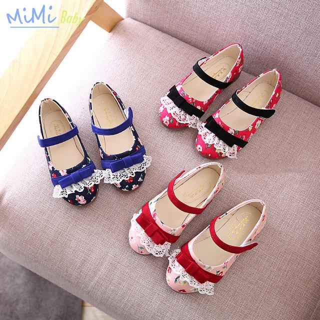 Primavera 2017 nova meninas do bebê da princesa shoes fundo macio floral embllishment moda shoes butterfly-nó pu artificial gancho & loop