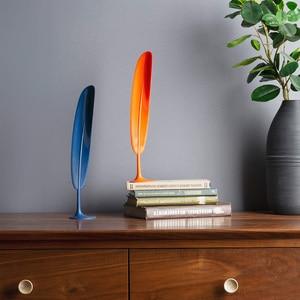 Image 3 - Della piuma di Scarpe Corno Liscia Squisita Materiale Flessibile Elegante Scarpa Sollevatore per la Casa Confortevole Scarpa Sollevatore