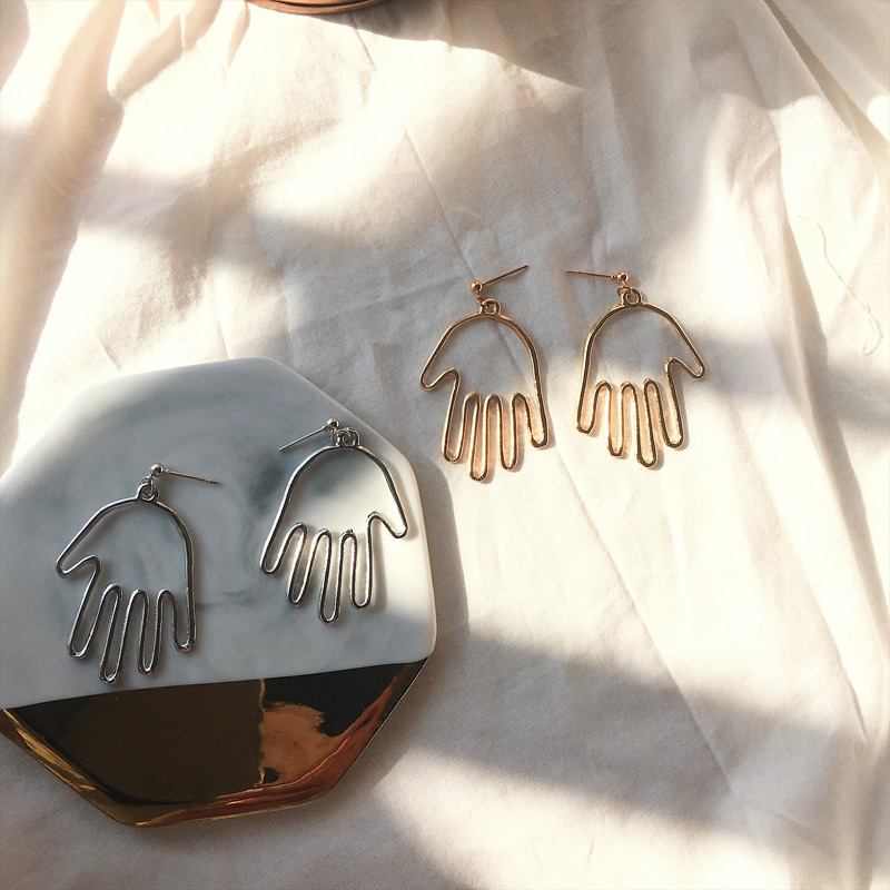 Europe And America Aesthetic Personality Palm Simple Earrings, Simple Strokes Hollow Finger Earrings For Women Brincos De Festa