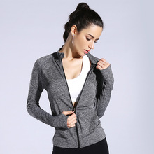 The new woman sport long-sleeved jacket Quick-drying moisture absorption perspiration yoga gear running fitness model body coat