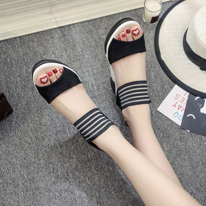 Image 2 - 女性ウェッジサンダル夏厚底靴の女性レジャースタイルハイヒールプラットフォームオープントゥ快適な女性靴SH030506