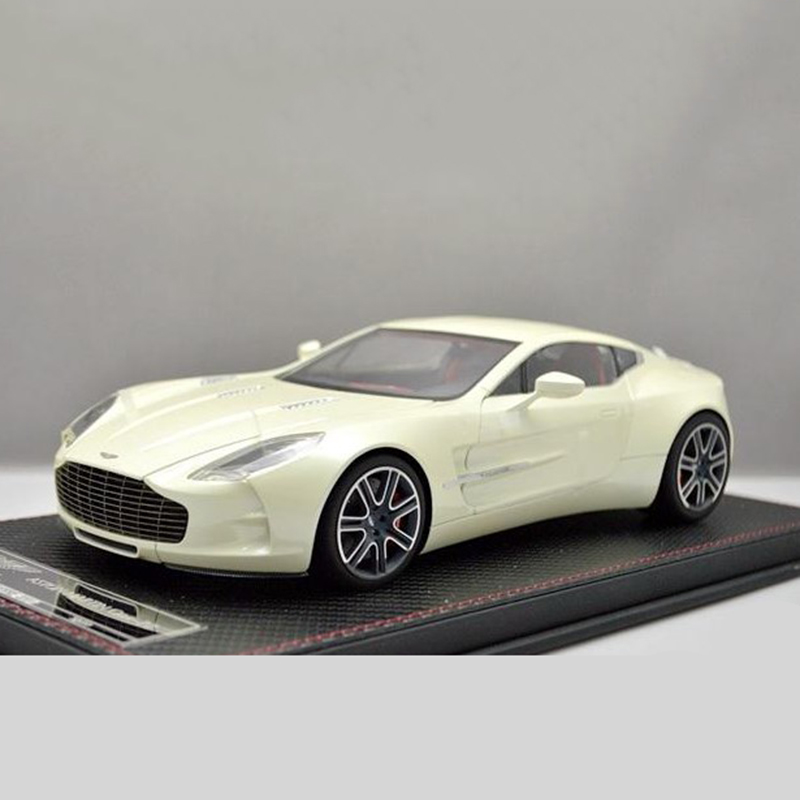 1:18 Alloy FrontiArt Aston Martin One 77 Car Model Of Children's Toy Cars Original Authorized Authentic Kids Toys