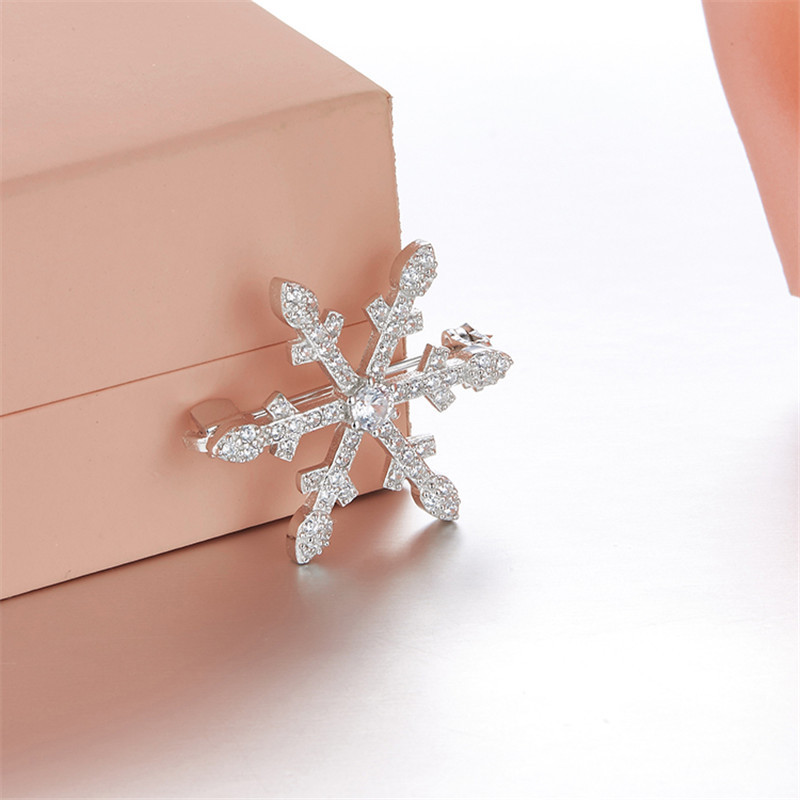 Luxury 925 Sterling Silver Snowflake Brooch For Women AAA Mirco Zircons Broche fashion jewelry prendedores para mujeres