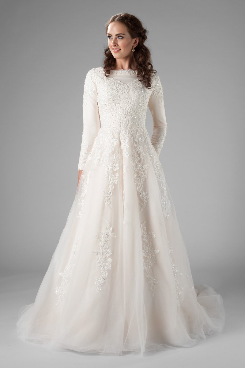 2019 Champagne A-line Modest Wedding Dresses With Long Sleeves High Neck Beaded Lace LDS Modest Bridal Gowns Custom Made