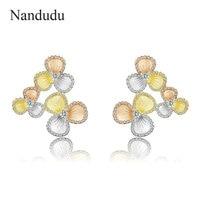 Nandudu New Three Tones Gold Flower Stud Earrings for Women Beautiful Fashion Jewelry Girls Party Brincos Accessory Gift CE514