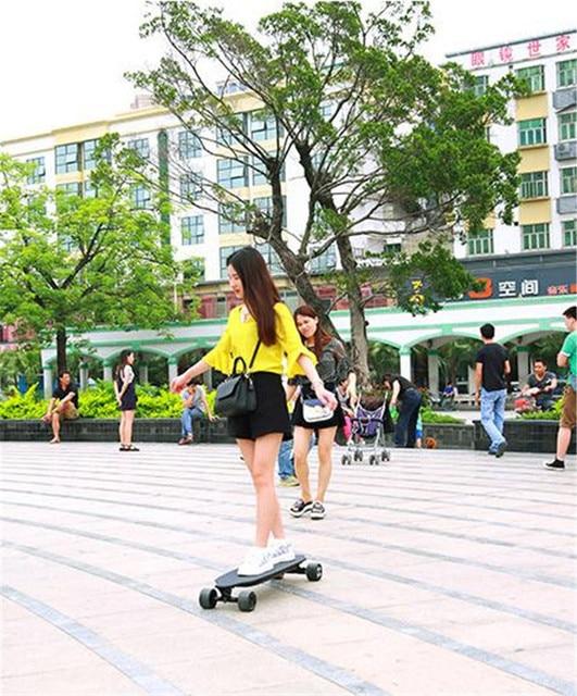 Daibot Scooter électrique pour adultes 4 roues Scooters électriques 40 KM/H double moyeu moteur à distance Longboard planche à roulettes électrique