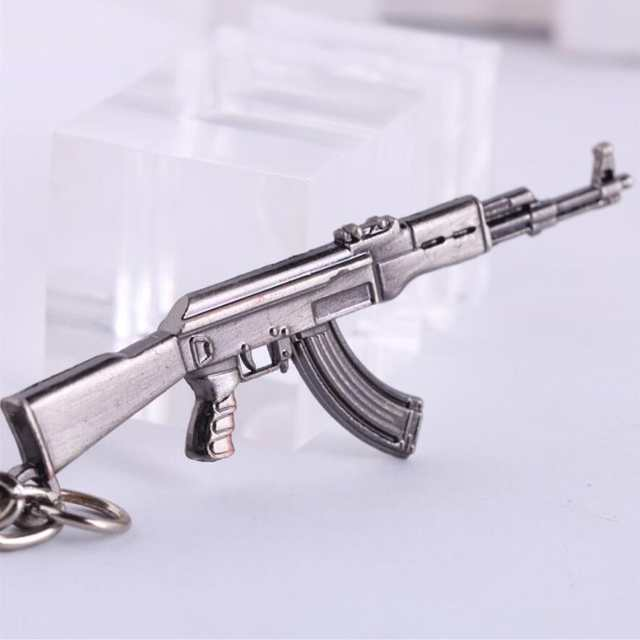 2019 Popular Game PUBG CSGO Keychain Arma Llavero Metal Rifle Model Toy Gun  Key Ring Sniper M16 AK47 AWM M4A1 Trinket Men Gift