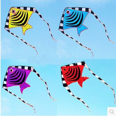 Livraison gratuite de haute qualité 100 pcs/lot cerf-volant de poisson avec poignée ligne en plein air jouet volant en nylon ripstop enfants cerfs-volants en gros