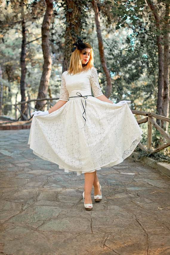 Ivory Cream Full Skirt Original Style Tea Length Dress Half Sleeves Hollow Back Lace Bridal Gown mother of the bride dresses