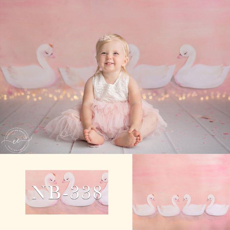 写真の背景新生児 1st 誕生日パーティーピンク 4 個の白色 cygnets ベビーシャワー背景妖精誕生日パーティー写真の背景