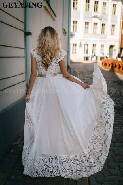 Simple Off White Chiffon Wedding Dress 2020 Vintage Lace Top