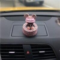 De handleiding auto parfum seat type vrouwelijke ornamenten auto-interieurs automotive Auto Luchtverfrisser Auto-styling