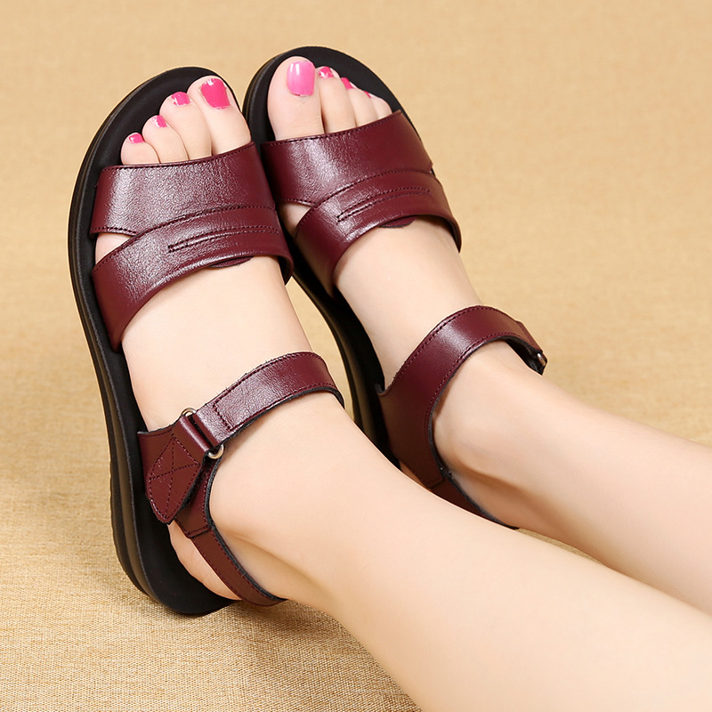 2018 women sandals genuine leather mother summer shoes female sandals antiskid soft bottom women sandals plus size 35-41 aiyuqi 2018 new genuine leather women sandals summer flat middle aged mother sandals plus size 41 42 43 casual shoes female