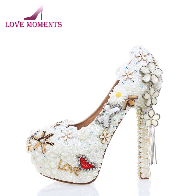 Pearl Wedding Dress Shoes in White Color Gorgeous Design Flower Tassel Rhinestone Bridal Shoes Love Style