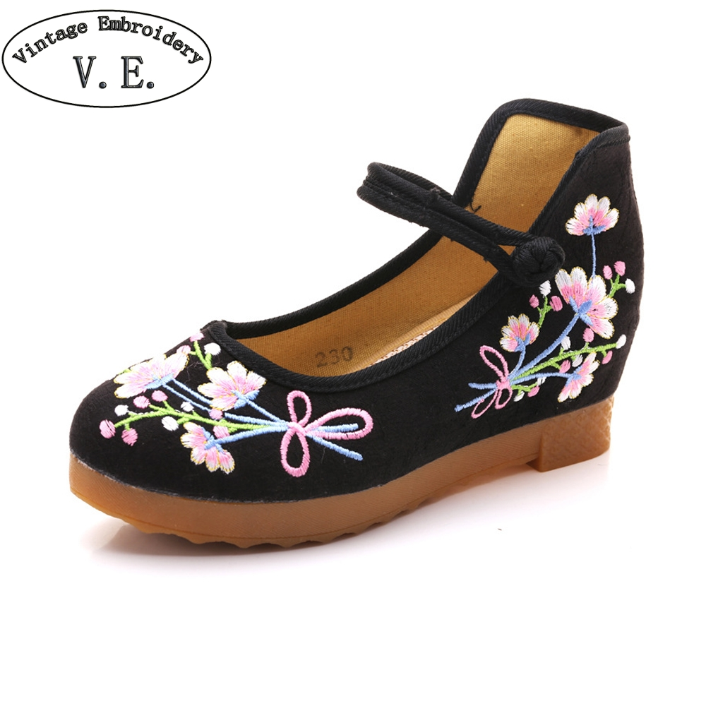 Vintage Embroidery Women Spring Shoes Chinese National Flower Embroidered Woman Pumps Causal Wedges Shoes For Women Zapatos clearance sale spring chinese style flower embroidery handmade women shoes embroidered fashion flats shoes for ladies 4 colors