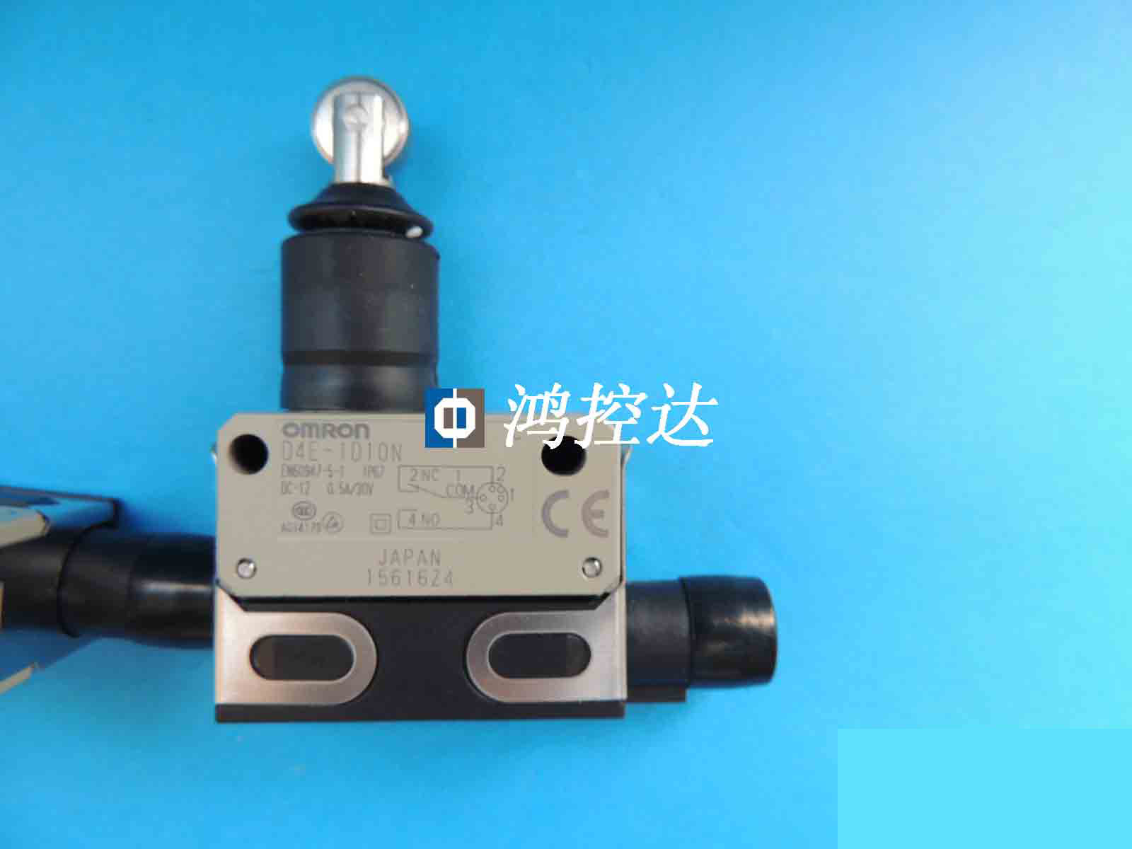 Authentic travel switch D4E-1D10N is guaranteed for one year.Authentic travel switch D4E-1D10N is guaranteed for one year.