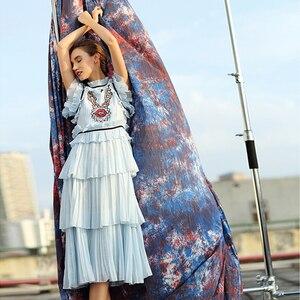 Image 3 - カジュアルドレス新ファッションノースリーブスパンコールハイストリート夏の高級プリーツブルーエレガントなデザイナーのドレス