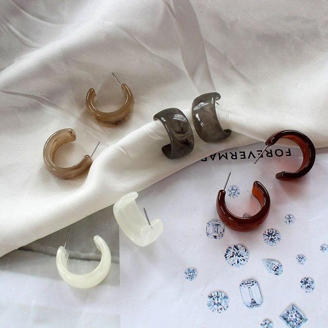 Женские серьги гвоздики в винтажном стиле