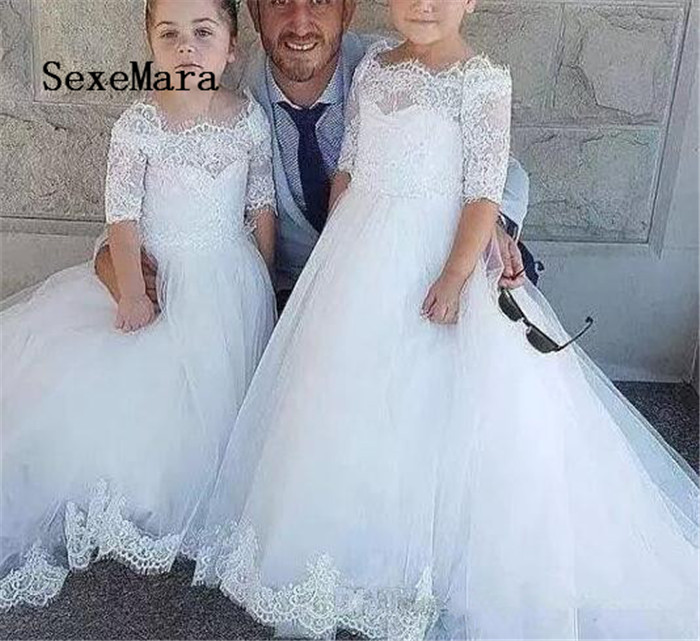 2018 Princess Flower Girl Dresses Bateau 1/2 Sleeve Sweep Train Girls Pageant Dresses With Lace Applique Girls Communion Gown2018 Princess Flower Girl Dresses Bateau 1/2 Sleeve Sweep Train Girls Pageant Dresses With Lace Applique Girls Communion Gown