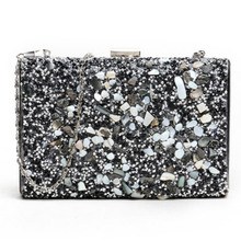 купить 2019 lady new rhinestones shiny luxury dinner clutch bag European and American fashion box bag handbag evening party bag clutch по цене 1250.52 рублей