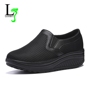 Image 2 - 2020 여성 신발 메쉬 통기성 여름 신발 플랫 여성로 퍼 캐주얼 스윙 신발 여성 Flootwear 크기 35 42