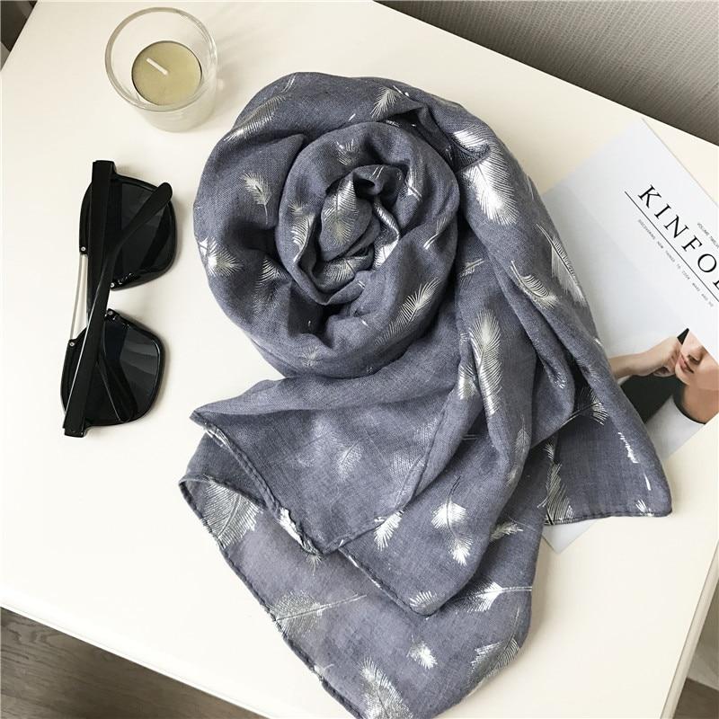 Muotoiltu huivi ylellisyysmerkki Silk Shawl jättää pehmeän - Vaatetustarvikkeet - Valokuva 3