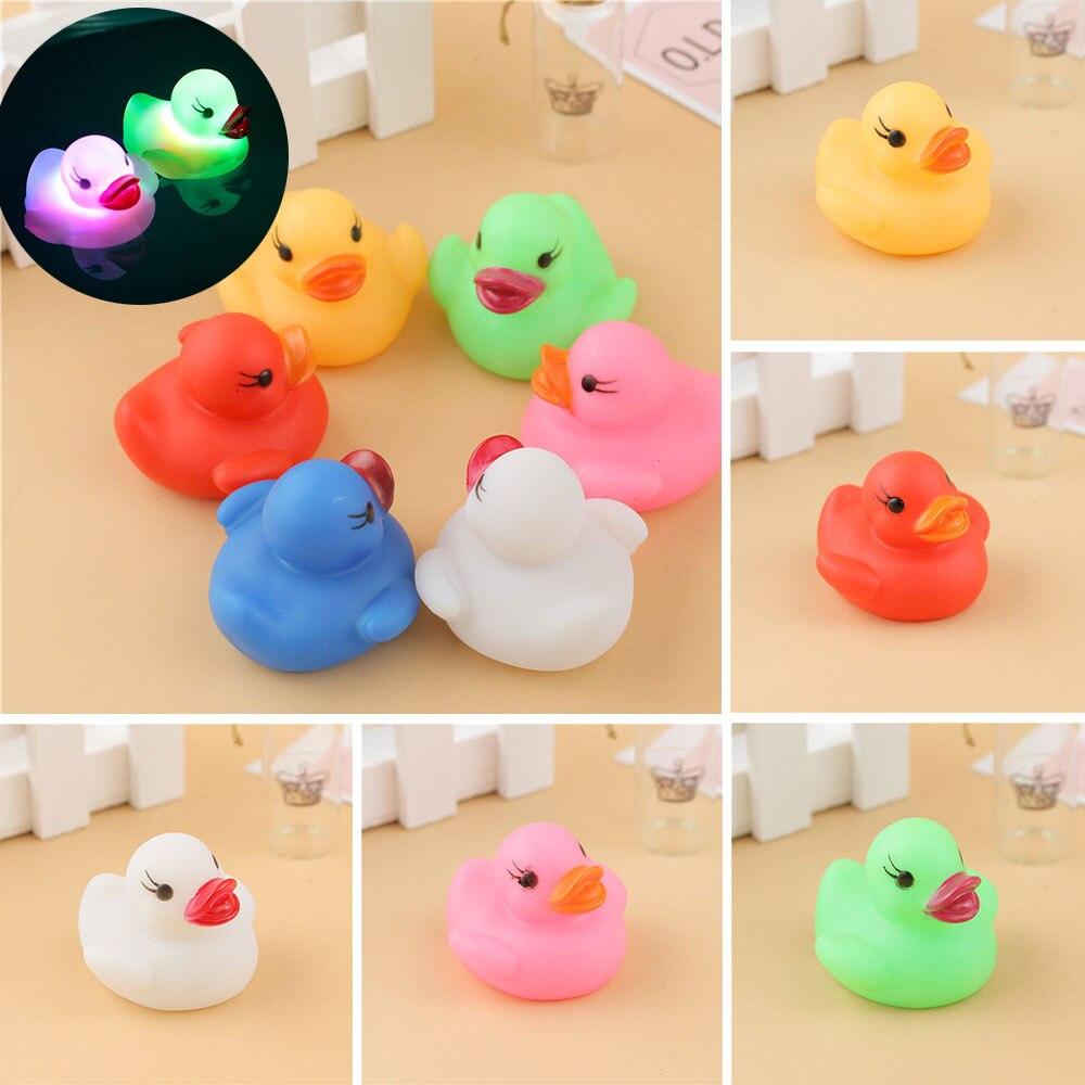 Schöne Blinkende Licht Multicolor Wasserdichte Led Mini 1 Pc Kinder Spielzeug Baby Bad Schwimmen Badewanne Dusche Spielzeug Auto Farbwechsel Exquisite Handwerkskunst;