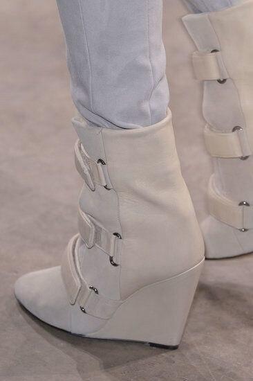 Pista della caviglia punta a punta stivali di alta qualità stivali zeppa in pelle donna di modo breve stivali buckle strap stivali nero beige - 4