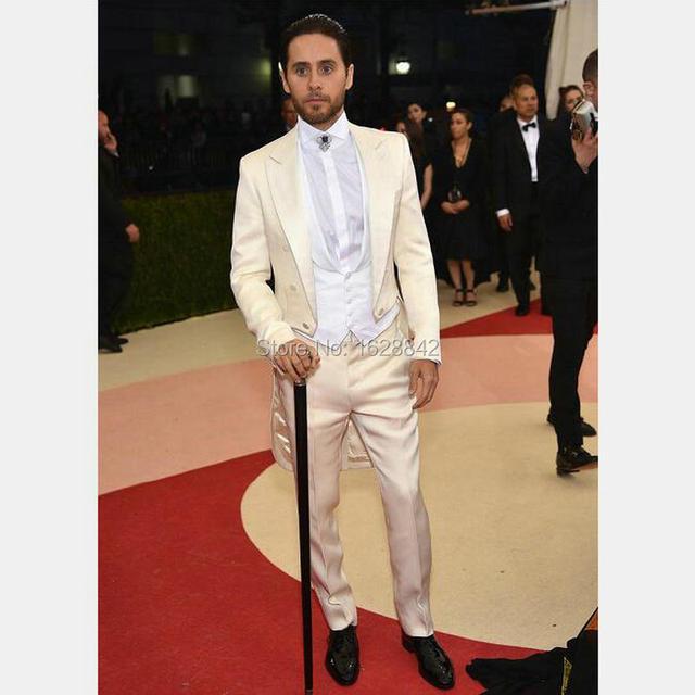 Champán de lujo Hechos A Medida Formal Desgaste Novio Esmoquin de Alta Calidad Trajes de boda Para Hombre A Medida Slim Fit Terno Plus tamaño