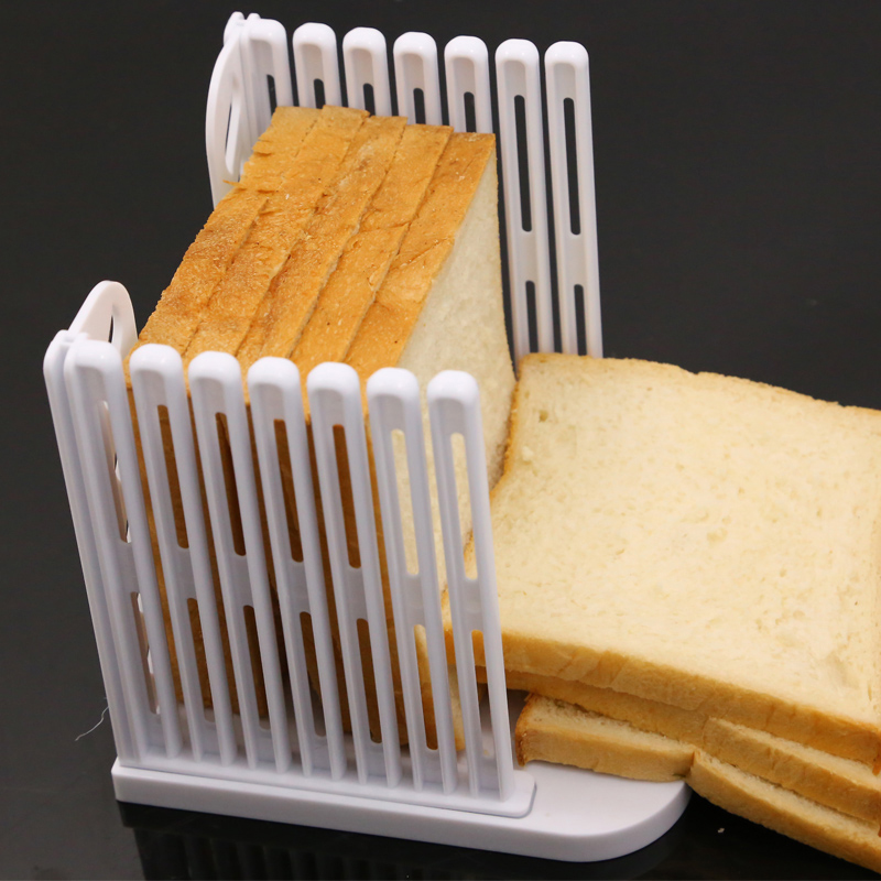 Plastic Bread Slicer Loaf Toast Cutter Mold Cutting Rack Slicing DIY Bread Splitter Kitchen Baking Tools 2017ing