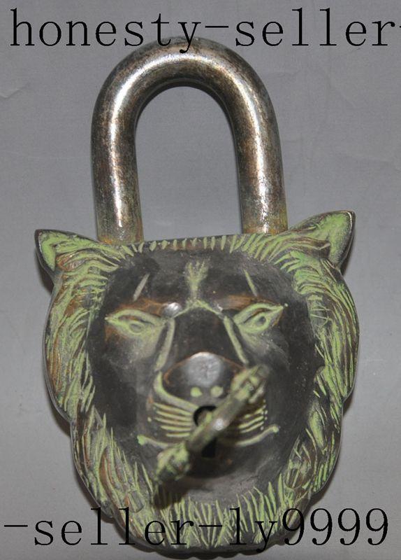 Crafts statue old chinese tibet bronze Guardian door foo dog lion beast head statue Locks Keys halloween