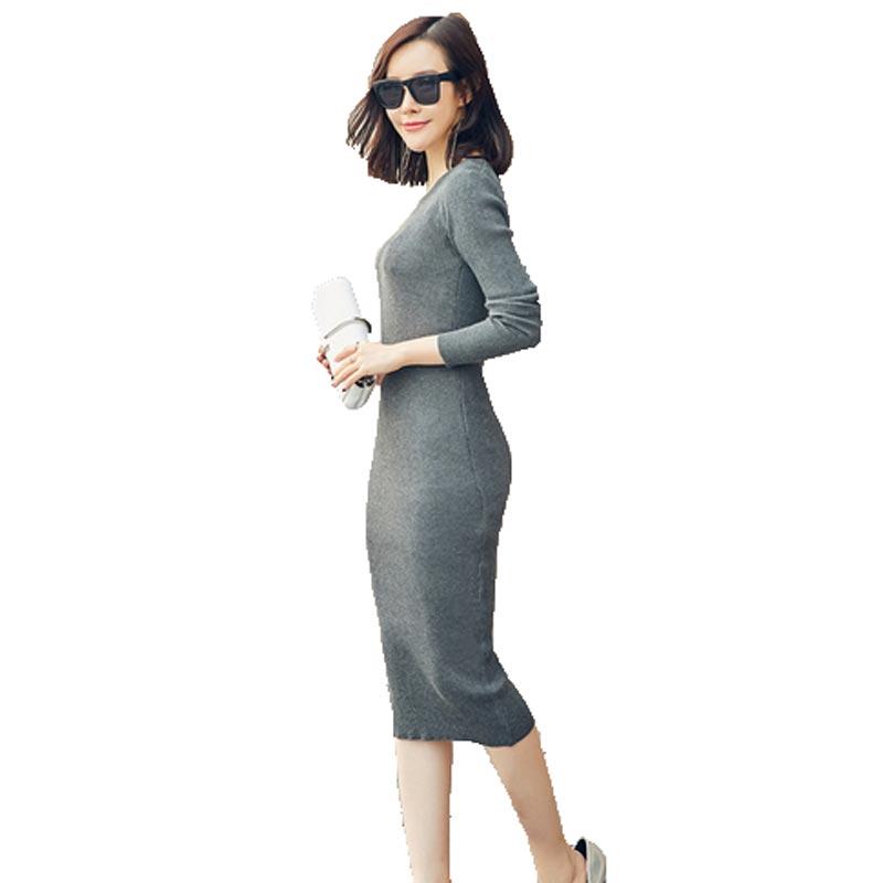Черное женское платье с длинным рукавом