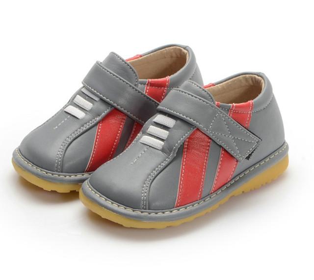 Hand-made Primavera Outono Sapatilha Sapatos de Couro do Menino Da Criança Sapatos Antiderrapantes Sapatos Barulhentos Frete Grátis