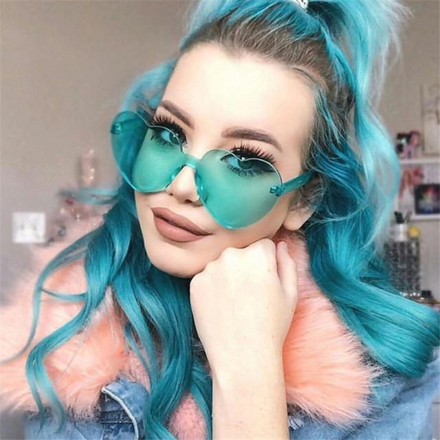 Новые модные милые сексуальные ретро солнцезащитные очки без оправы с сердечками для женщин, роскошные брендовые дизайнерские солнцезащитные очки, яркие цвета, UV400