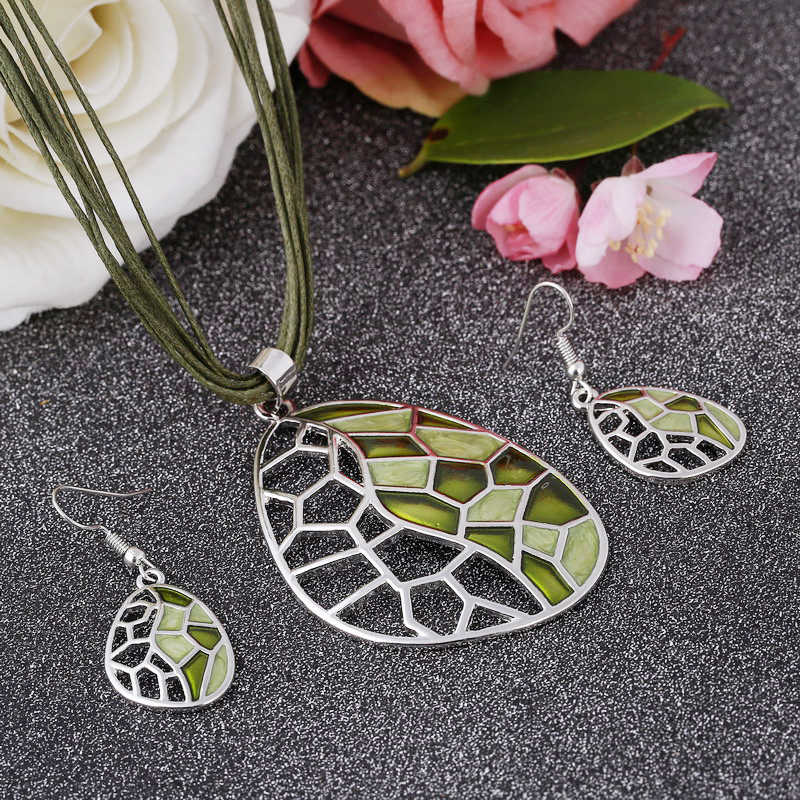 Best Women Gift Silver Plated Hollow Chokers Necklace Bijoux Collar Cheap Price Green Enamel Pendant Jewelry Sets