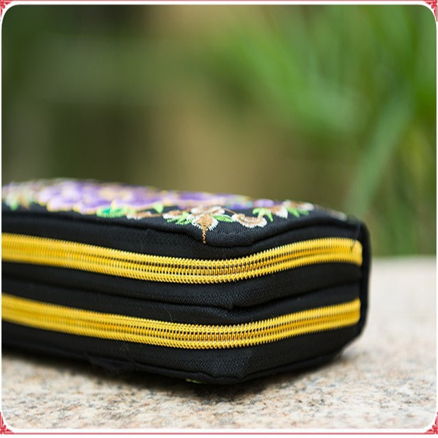 Flower Embroidered Wallet  5