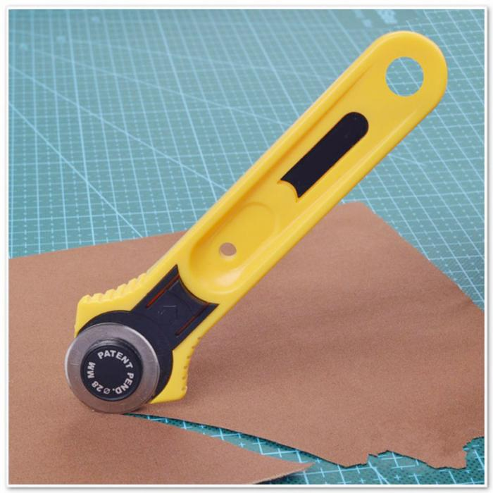 Jaune Rotary Cutter 28 mm circulaire Cut Lame Patchwork Tissu Leather Craft