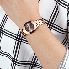 Luxury Unisex Quartz Wristwatch