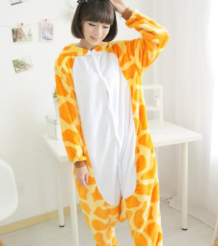 Пэм в виде жирафа