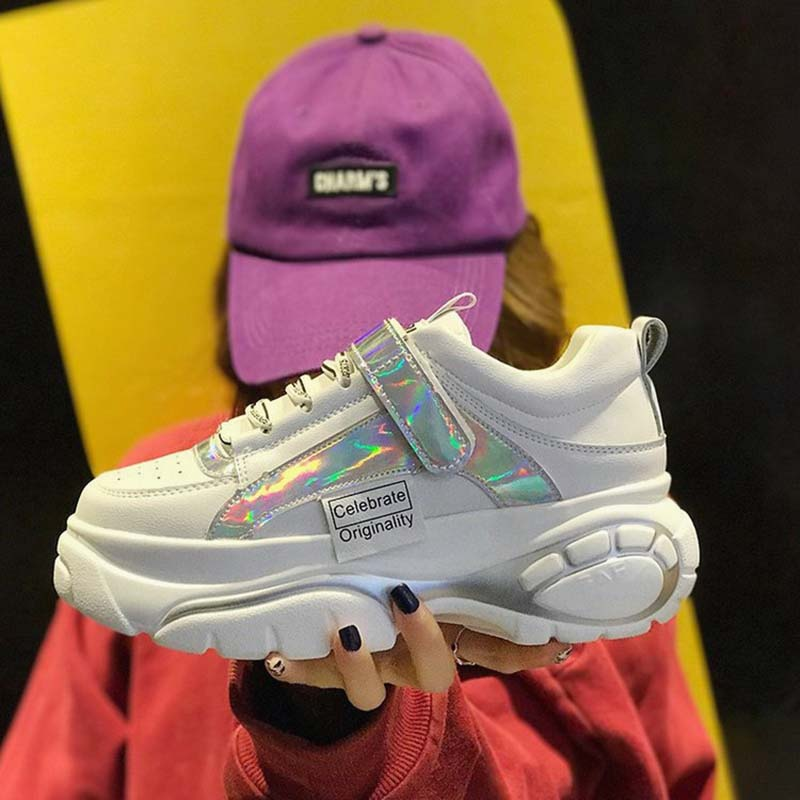 Nouveau Printemps Chunky Sneakers Femmes 2019 Printemps Femelle chaussures décontractées 6 cm Haute Plate-Forme Sneakers Pour Femmes boucle Blanc chaussures de baskets
