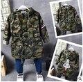 2016 niños Coreanos de la moda otoño chaqueta cazadora de camuflaje rompevientos con capucha bordado etiqueta cohete envío gratis