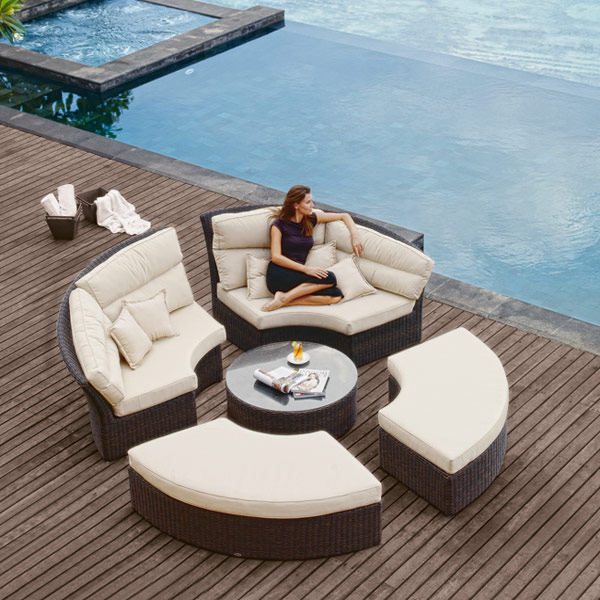 2017 All Weather Used Contemporary Pvc Wicker Rattan Round Outdoor Patio Furniture China