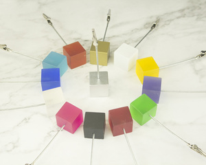 Image 3 - Lot 50pcs Memo Clips Cube Wire Photo Holder Logo Custom Wedding Place Card Holder Promotion Gift Personalize Giveaway freebie