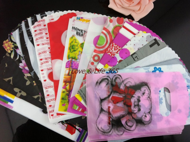 200Pcs 15X9cm Plastic Gift Bags Assorted Pattern Pretty Plastic Mini Shopping Gift Bag Jewelry Pouches Free Shipping