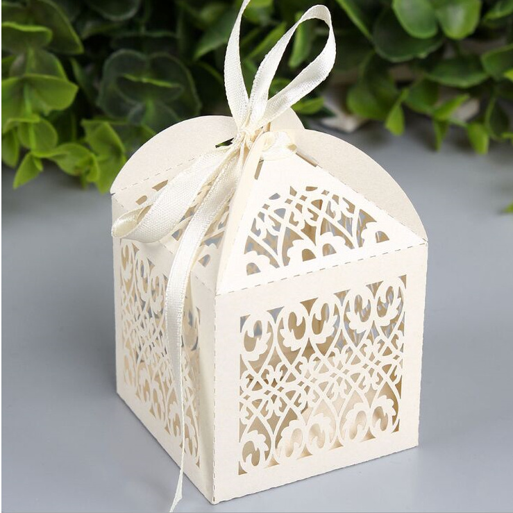50 pcs Creative Hollow Out Candy Boxes candy bag with ribbon Wedding ...