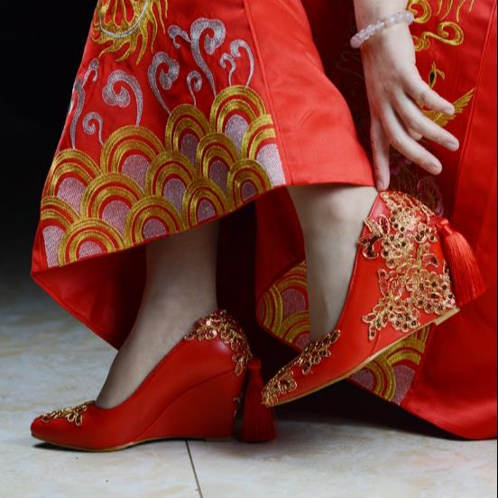 HIZCINTH Wedding Shoes Chinese Wind Red Wedges High Heels Shoes Bride Shoes Woman Plataformas Mujer Lady Shoes Rhinestone Pumps 00009 red gold bride wedding hair tiaras ancient chinese empress hair piece